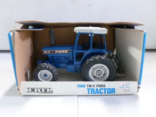 500 piece tractor collection iamge 8